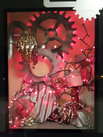 MaxBrennerHolidayWindows_22